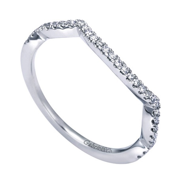 https://www.amidonjewelers.com/upload/product/gabriel-white-gold-contemporary-curved-wedding-band-amidon-jewelers-wb7543w44jj.jpg