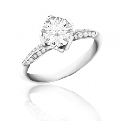 18K White Gold Round Brilliant Cut Solitaire Ring