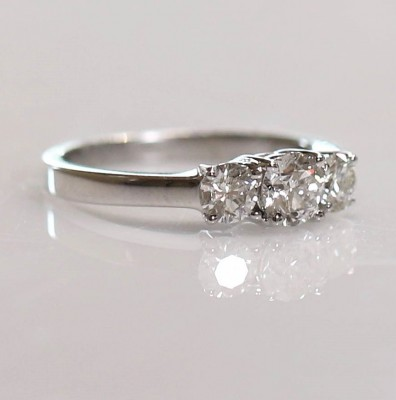 14kw 1.00cttw Diamond 3 Stone Ring