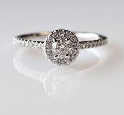 14Kw .56Cttw Round Halo Diamond Engagement Ring