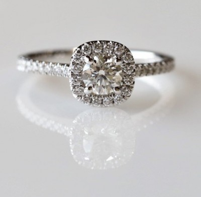 14Kw .75Cttw Cushion Shaped Halo Diamond Engagement Ring