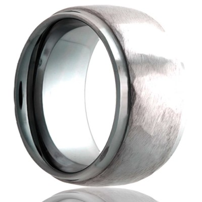 8mm Dome step edge Tungsten band, all high polish edges with a hammer finish center Size 9.5